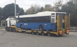 Bus cotral su carrellone stradale